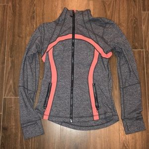 Lululemon grey/ pink size 6 women's jacket.